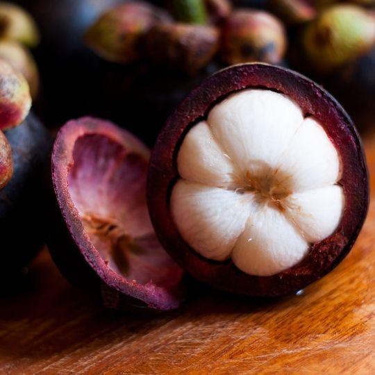 Alimentos morados - Mangostán morado
